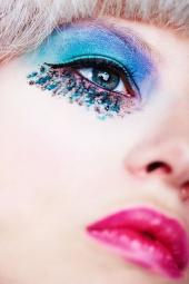 http://photos.modelmayhem.com/photos/100426/06/4bd59b636a4b4_m.jpg