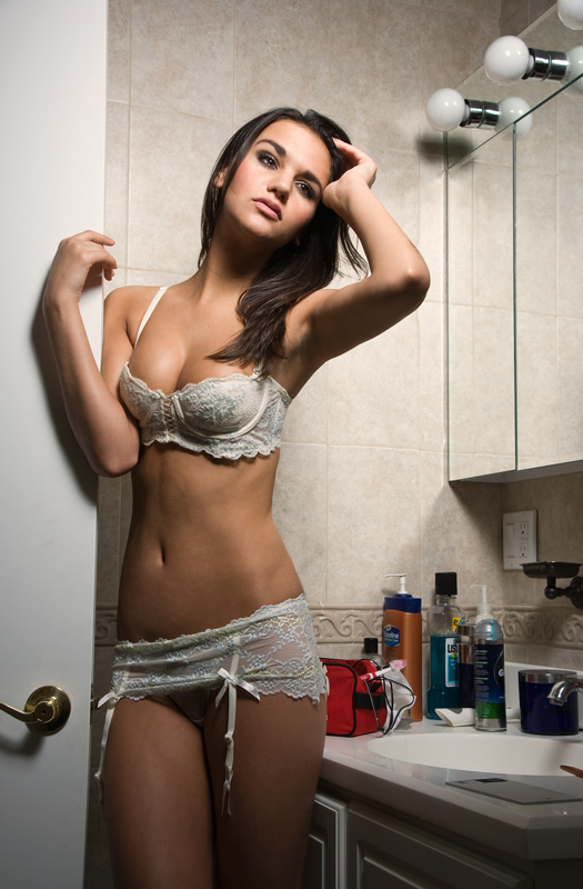 http://photos.modelmayhem.com/photos/100427/08/4bd6fe3499fe3.jpg