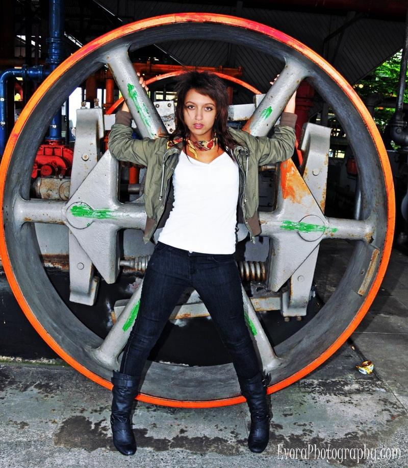 Seattle, wa May 09, 2010 Copyright 2009 Evora Photography Fierce.