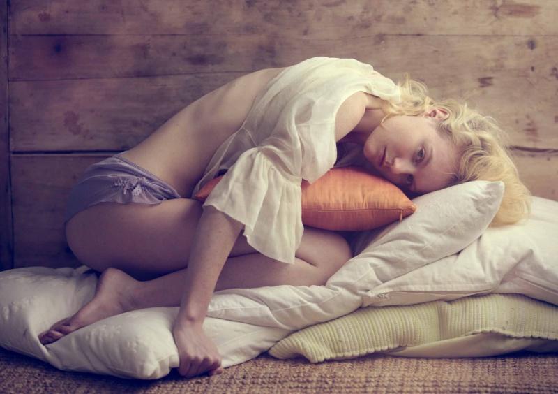Female model photo shoot of lili-engel