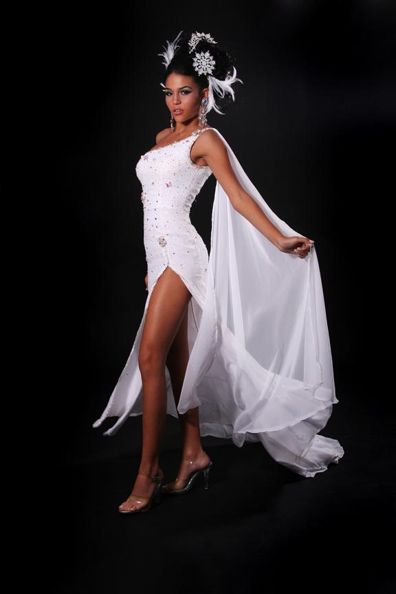 Miami, Florida May 31, 2010 Photo Studio Miami model: Miss Teen Cuban American / Lizbeth Muguercia