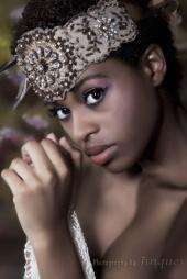 http://photos.modelmayhem.com/photos/100610/13/4c114e94cd622_m.jpg