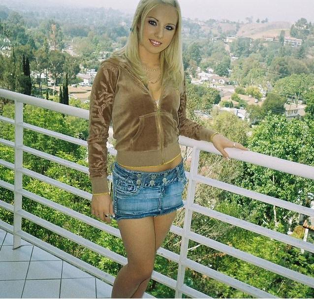 Female model photo shoot of Laeticia Bella