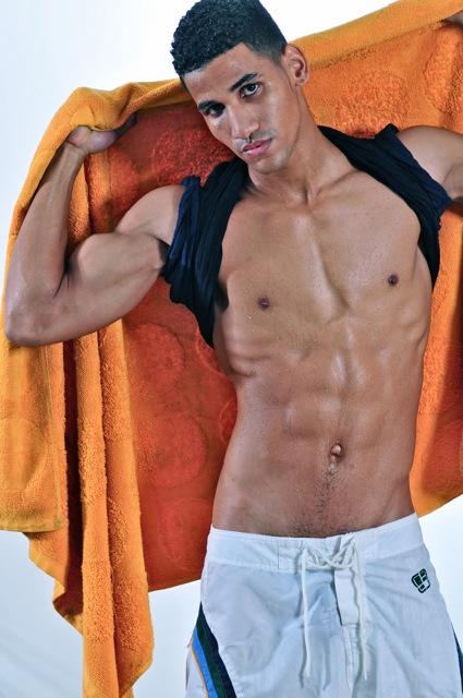 Male model photo shoot of RUBEN JIMENEZ in Panama