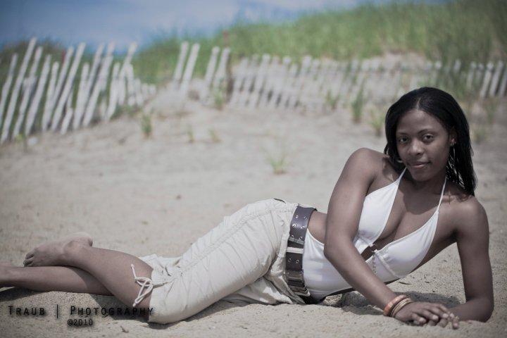 Female model photo shoot of Sierra Eunique in Mentor Headlands Beach