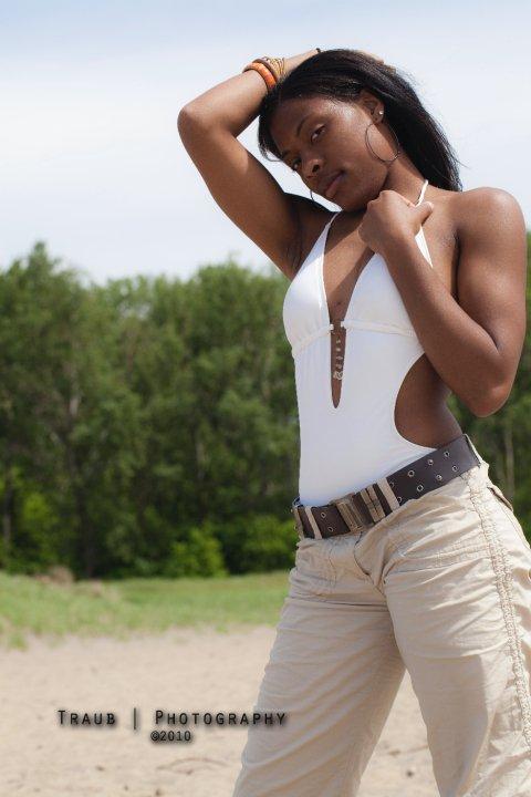 Female model photo shoot of Sierra Eunique
