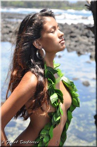 Hilo Jun 25, 2010 Frank Dickinson Hawaiian Beauty