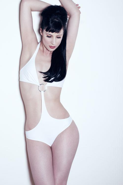 Female model photo shoot of october