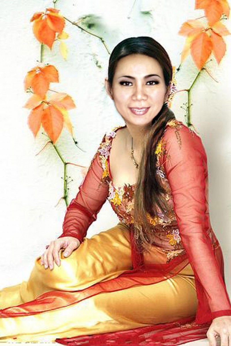 Female model photo shoot of Minh-Tam