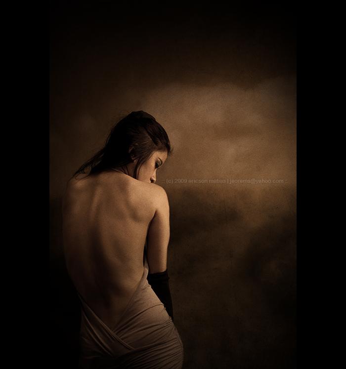 Female model photo shoot of Winnie L by jeorems