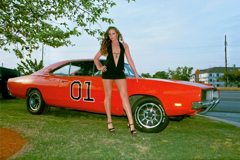Hooters Of Conyers Jul 07, 2010 Rodney HatcherPhotography Hot Legs and Hot Car