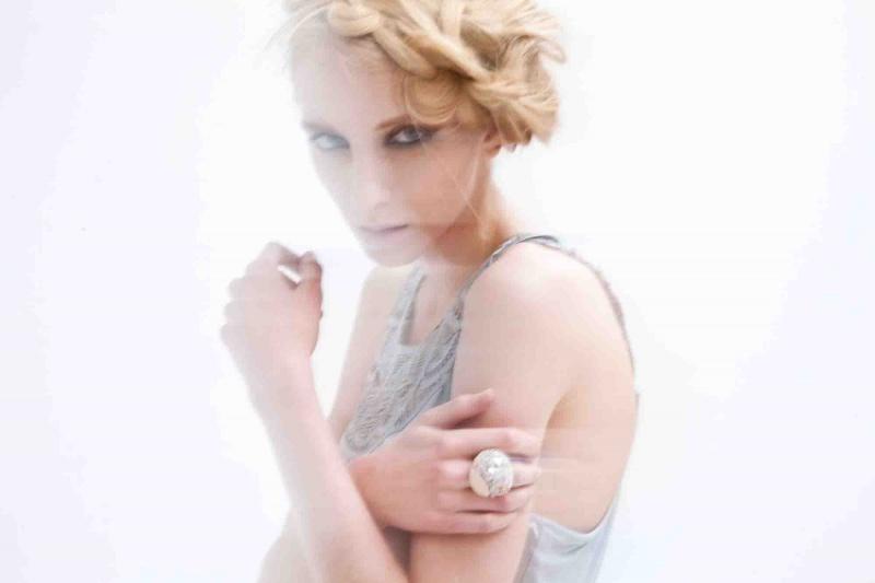 Female model photo shoot of Valeria Ugarte