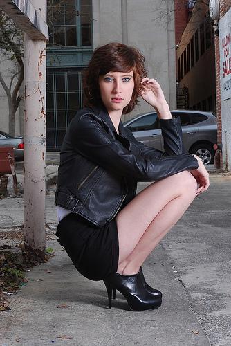 Female model photo shoot of Alex Rueda
