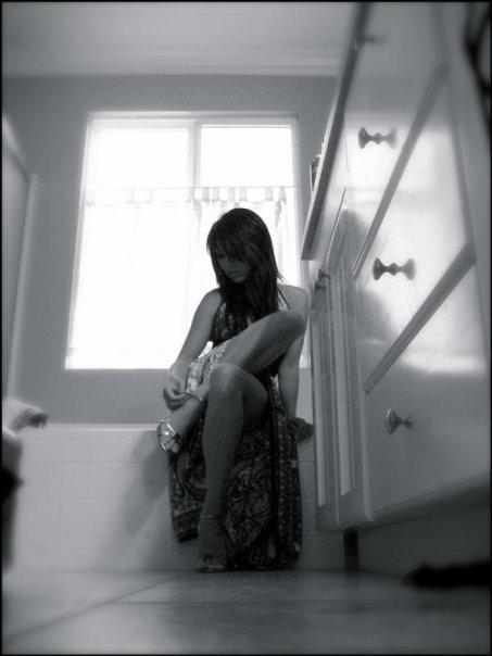 Female model photo shoot of Linda B