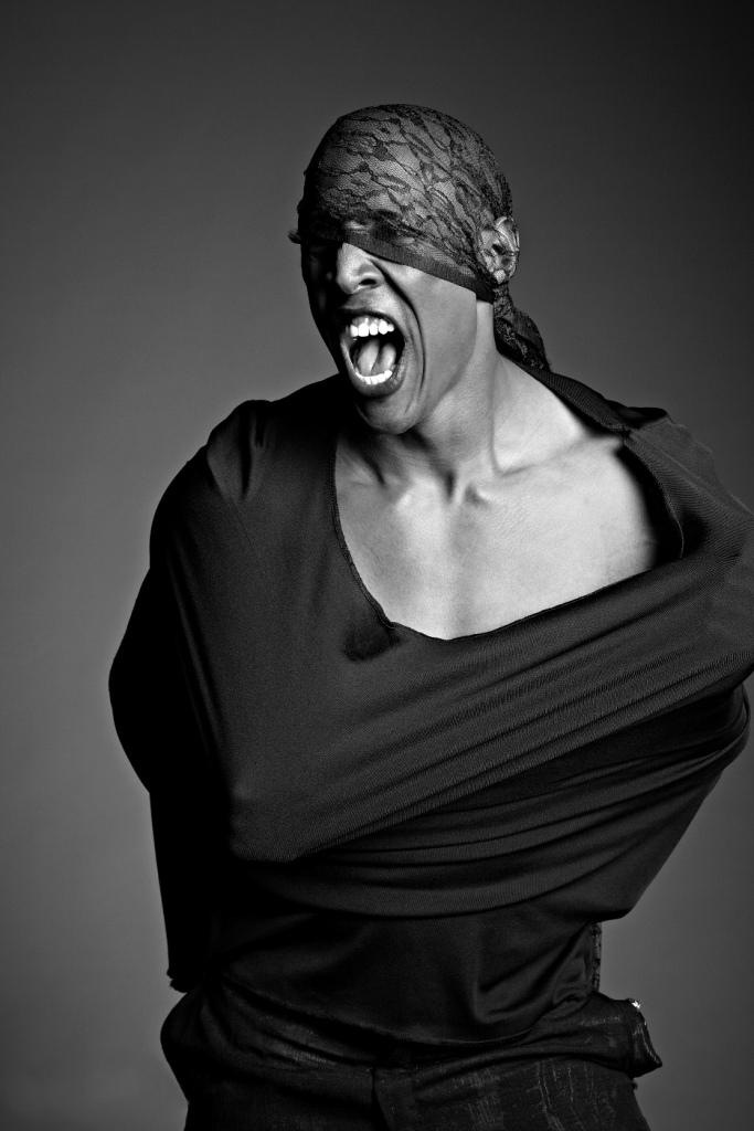 Male model photo shoot of Jerrin Holt