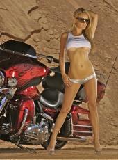http://photos.modelmayhem.com/photos/100725/23/4c4d2bac115d3_m.jpg