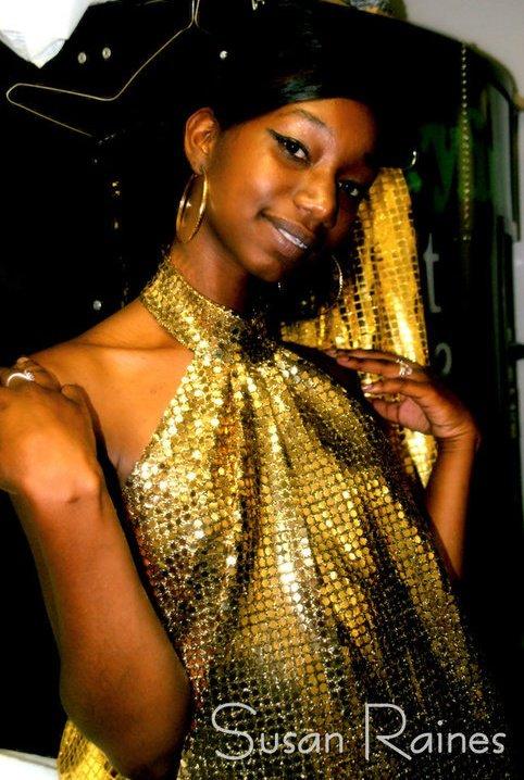 Female model photo shoot of Pochaa