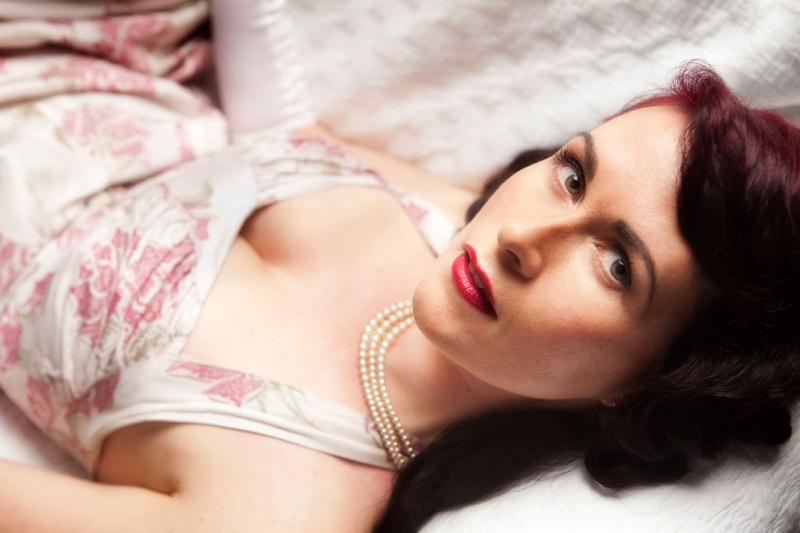 Female model photo shoot of SensuElle by Martin Plant