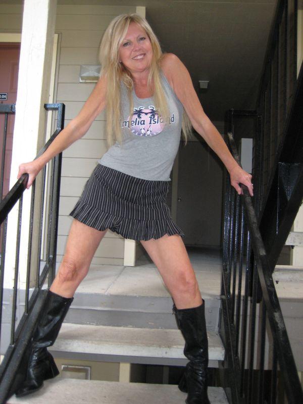 Jul 30, 2010 Skye Foxx Skirt Fun
