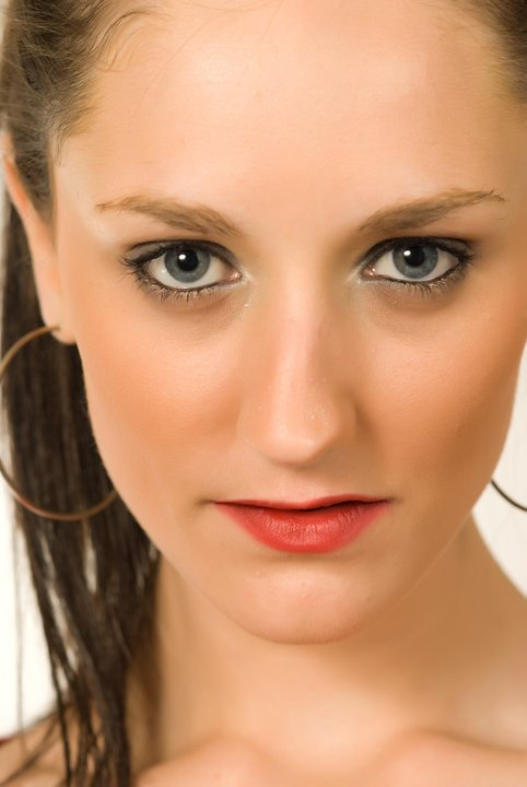 Female model photo shoot of Tahnee Cirjanic by Aslan Images