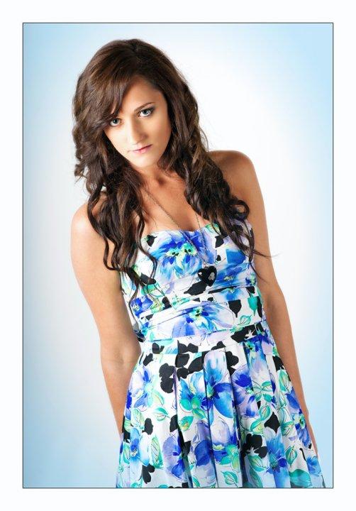 Female model photo shoot of Tahnee Cirjanic