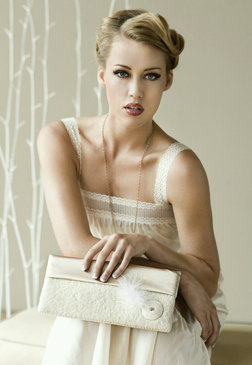 Aug 02, 2010 Tear Danica Moss Bridal Clutch
