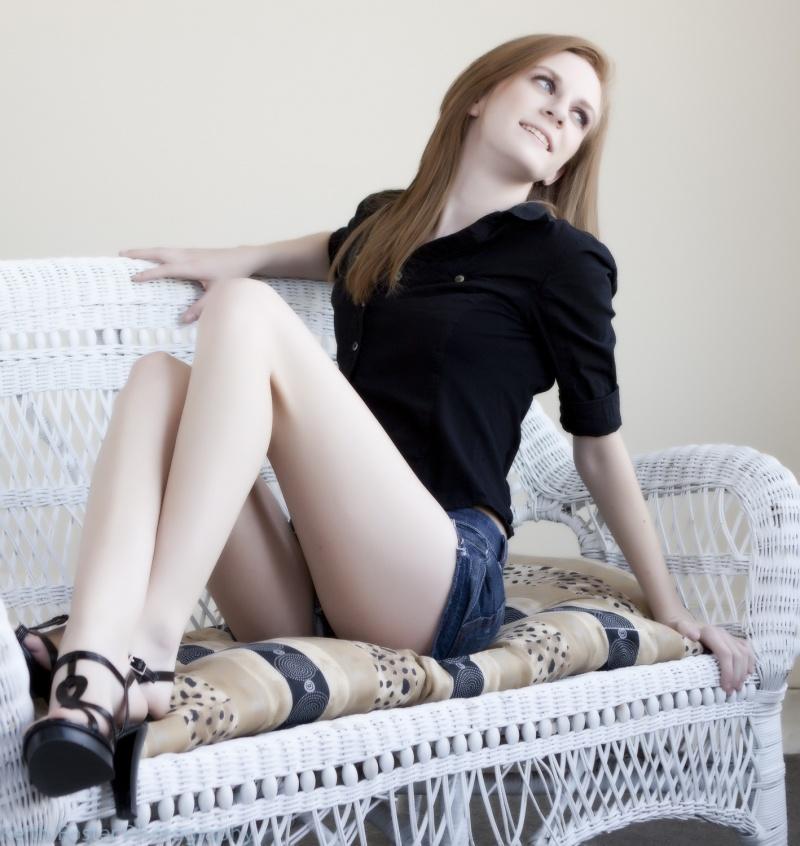Female model photo shoot of Emillie Elizabeth by KeithD3