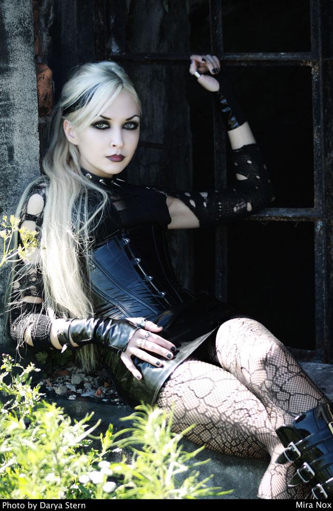 Aug 06, 2010 model: Mira Nox Photo by Darya Stern