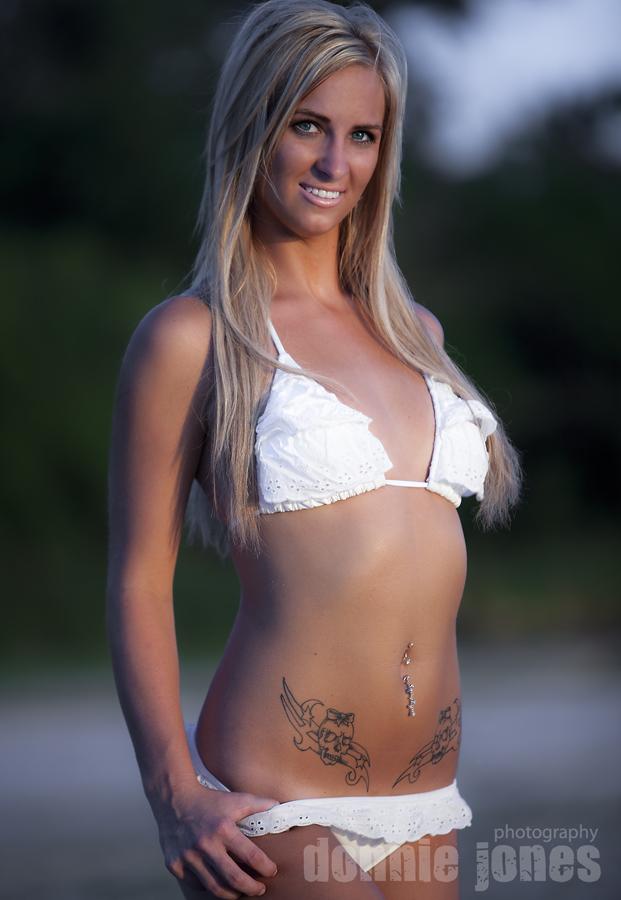 Female model photo shoot of AmandaLand by Donnie Jones