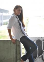 http://photos.modelmayhem.com/photos/100811/11/4c62f1d2859fd_m.jpg
