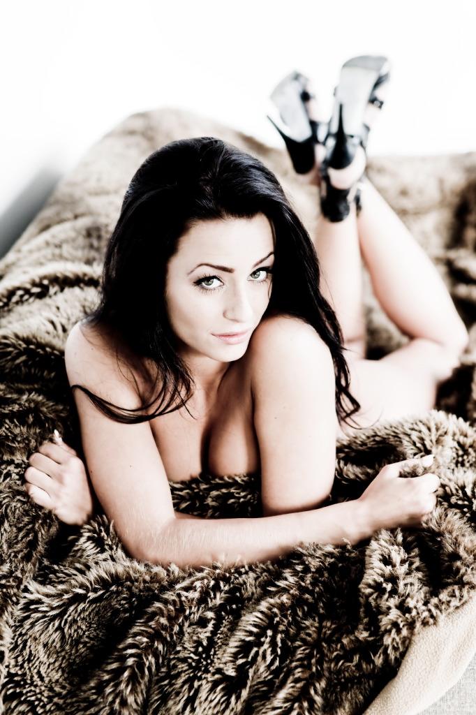 Female model photo shoot of Josie St