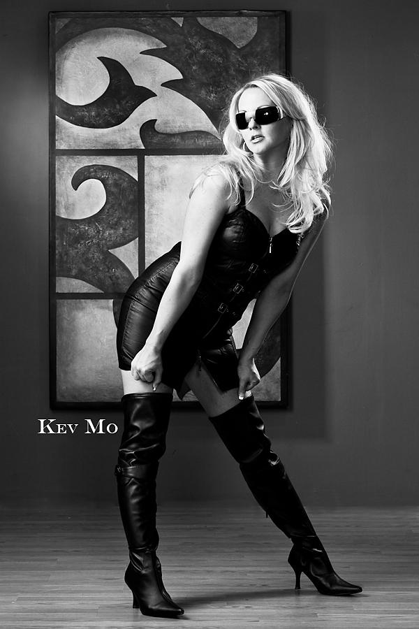 https://photos.modelmayhem.com/photos/100816/11/4c697d8816ffc.jpg