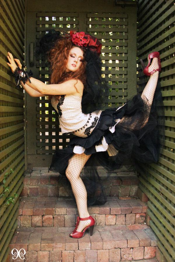 http://photos.modelmayhem.com/photos/100818/17/4c6c7733a69e9.jpg