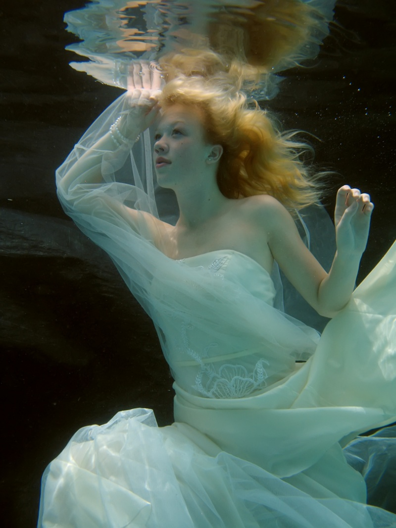 Garland Aug 18, 2010 Ken Myers Photography underwater bride