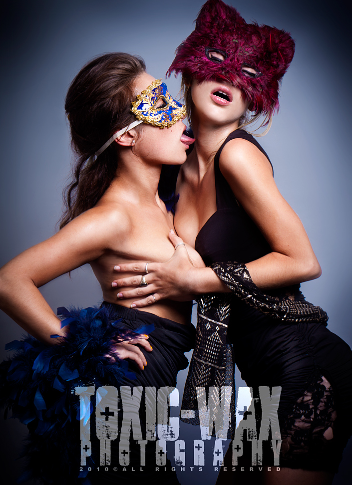 New Jersey Aug 19, 2010 Copyright 2010 Toxic-Wax Photography All Rights Reserved. Ana & Nicole:   Red Cat, Blue Canary