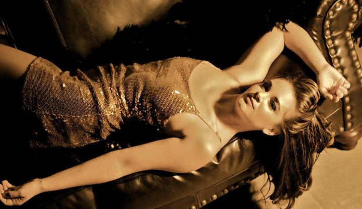 Female model photo shoot of Jessica143