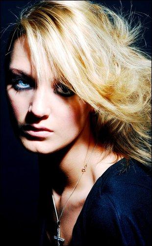 Female model photo shoot of samantha mcmenemy