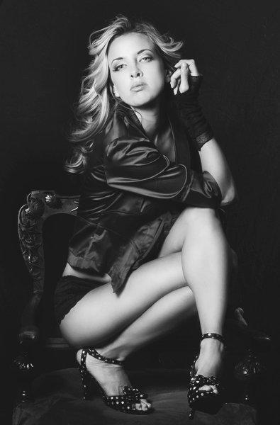 Female model photo shoot of katrina la rose by KA Style