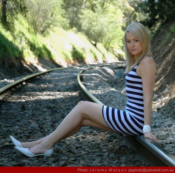 Female model photo shoot of Mandy Payne