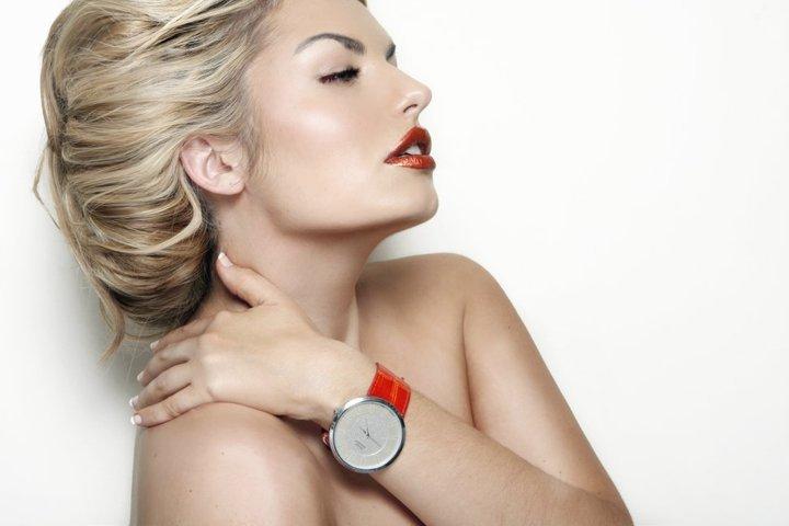 Female model photo shoot of Lou OReilly