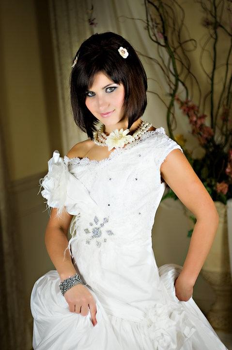 Seattle, WA Aug 28, 2010 Mikhail Gershunovskiy Bridal Modeling 2010