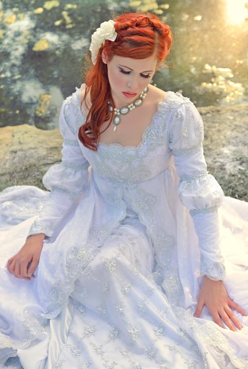 Sep 01, 2010 winterwolfstudios.com Dress by Romantic Threads