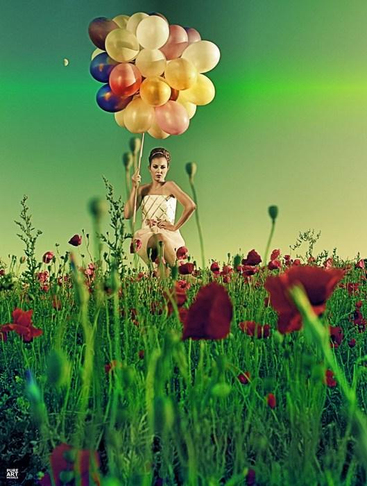 Sep 05, 2010 Jeroen vd Lubbe (PAM) MUA Thamara Riedijk; paperdress designed and made by myself :)