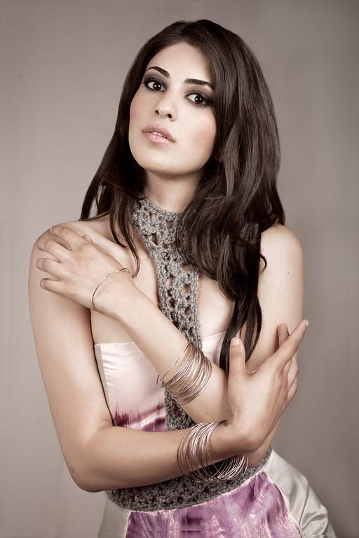 Female model photo shoot of Miss India USA
