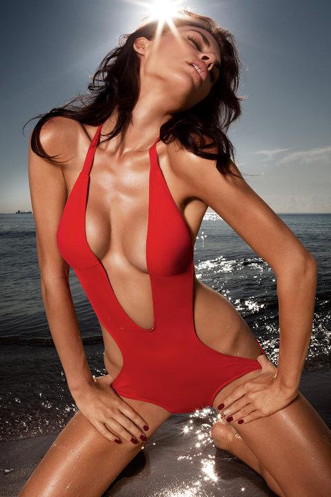Sep 14, 2010 Photographer: Andres Hernandez Model: Nikki DuBose www.susanabetancourt.com