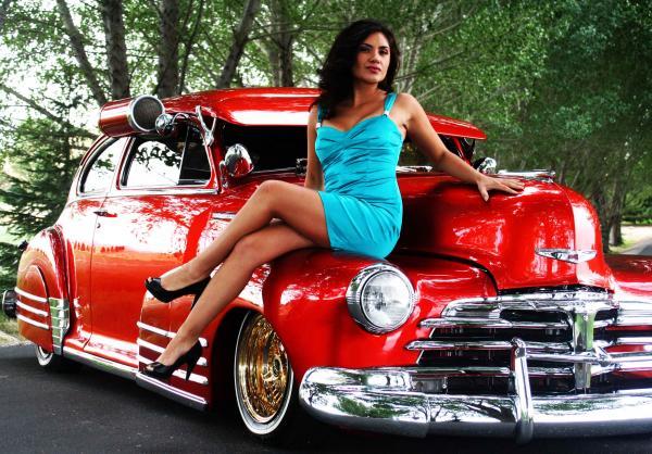 Female model photo shoot of Endless Infatuations and SandraInez