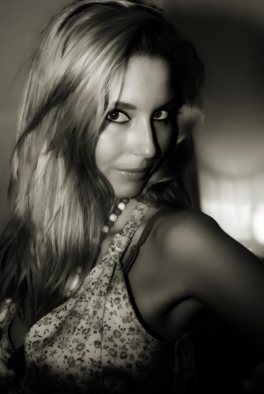 Female model photo shoot of Duluman Oana Emilia