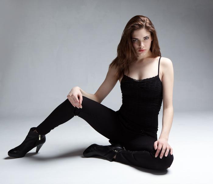 Female model photo shoot of Emilie Hart