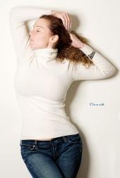 http://photos.modelmayhem.com/photos/101009/01/4cb02612afc5d_m.jpg