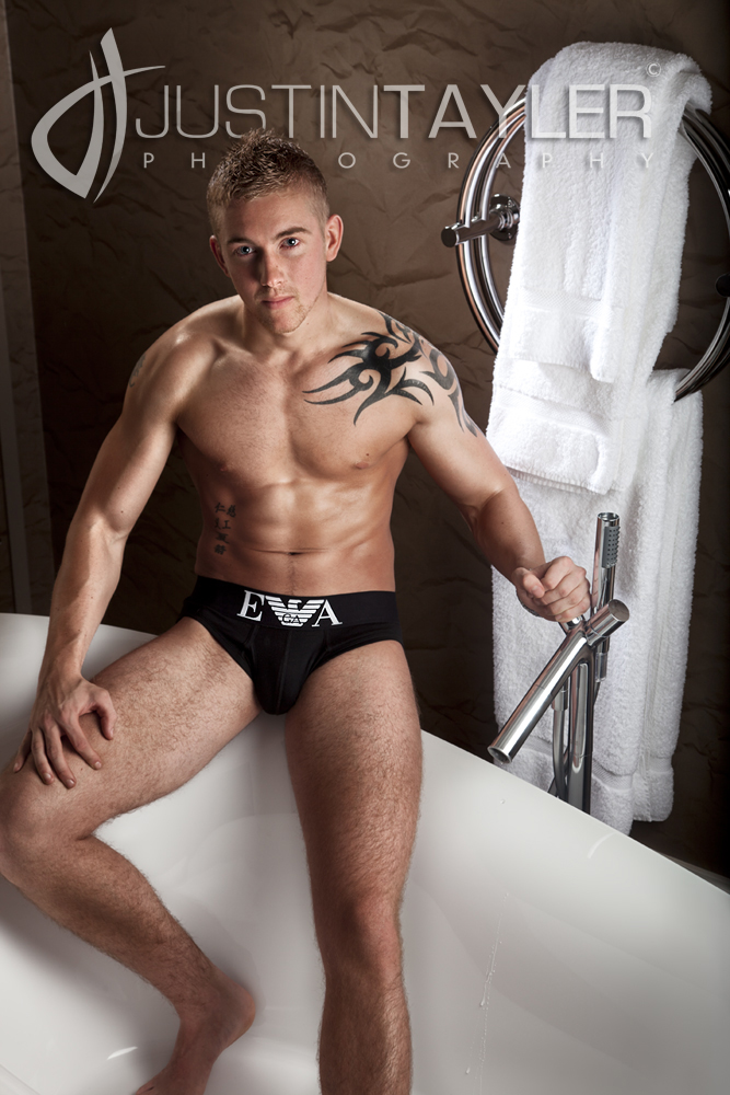 london hotel Oct 09, 2010 justin tayler photographer bath time
